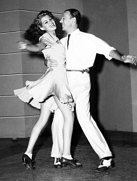 453px-Astaire-Hayworth-dancing