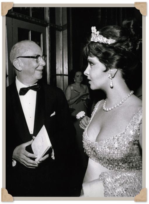 en el Waldorf Astoria de Nueva York en 1963.
