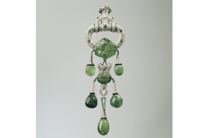 Cartier - las joyas de Marjorie Merriweather - Broche de esmeraldas indias - por Vintage By Lopez-Linares